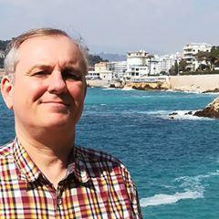 Eric Dubois (Ericiel) devant le port de Nice